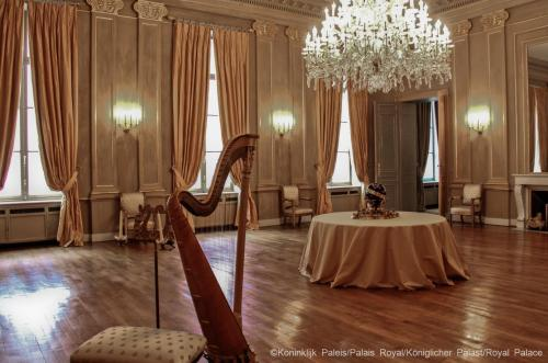Royal palace of brussels the belgian monarchy - Salon de the palais royal ...