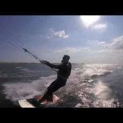 Koning/Roi/König/King Kitesurfing - Click to play this video in an overlay.