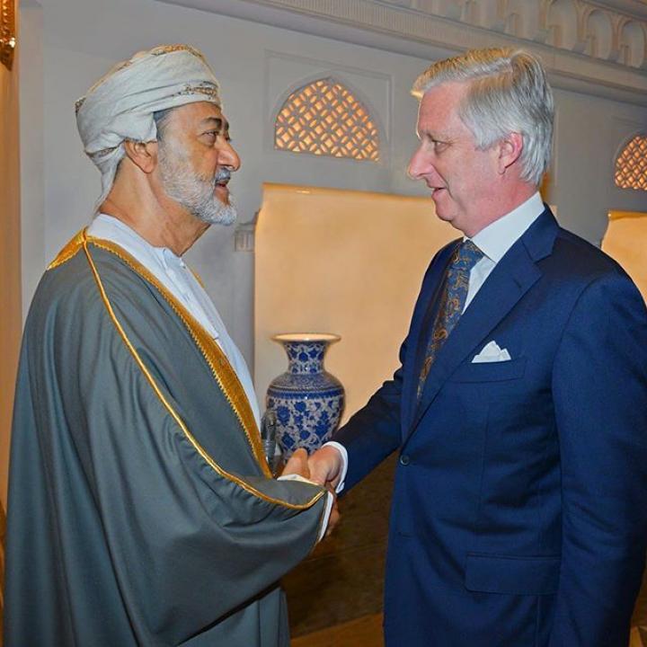   Ontmoeting met de nieuwe Sultan van Oman, Z.M. Haitham ben Tarek. Medeleven werd betuigd naar aanleiding van het overlijden van Sultan Zijne Majesteit Qabous bin Saïd Al Saïd. ————— Rencontre avec le nouveau Sultan d'Oman, S.M. Haitham ben Tarek, et présentation de condoléances à la suite du décès de Sultan Qabous bin Saïd Al Saïd. ————— Meeting with the new Sultan of Oman, H.M. Sultan Haitham ben Tarek. Condolences were expressed following the passing of H.M. Sultan Qaboos bin Saïd Al Saïd.  #BelgianRoyalPalace #MonarchieBe